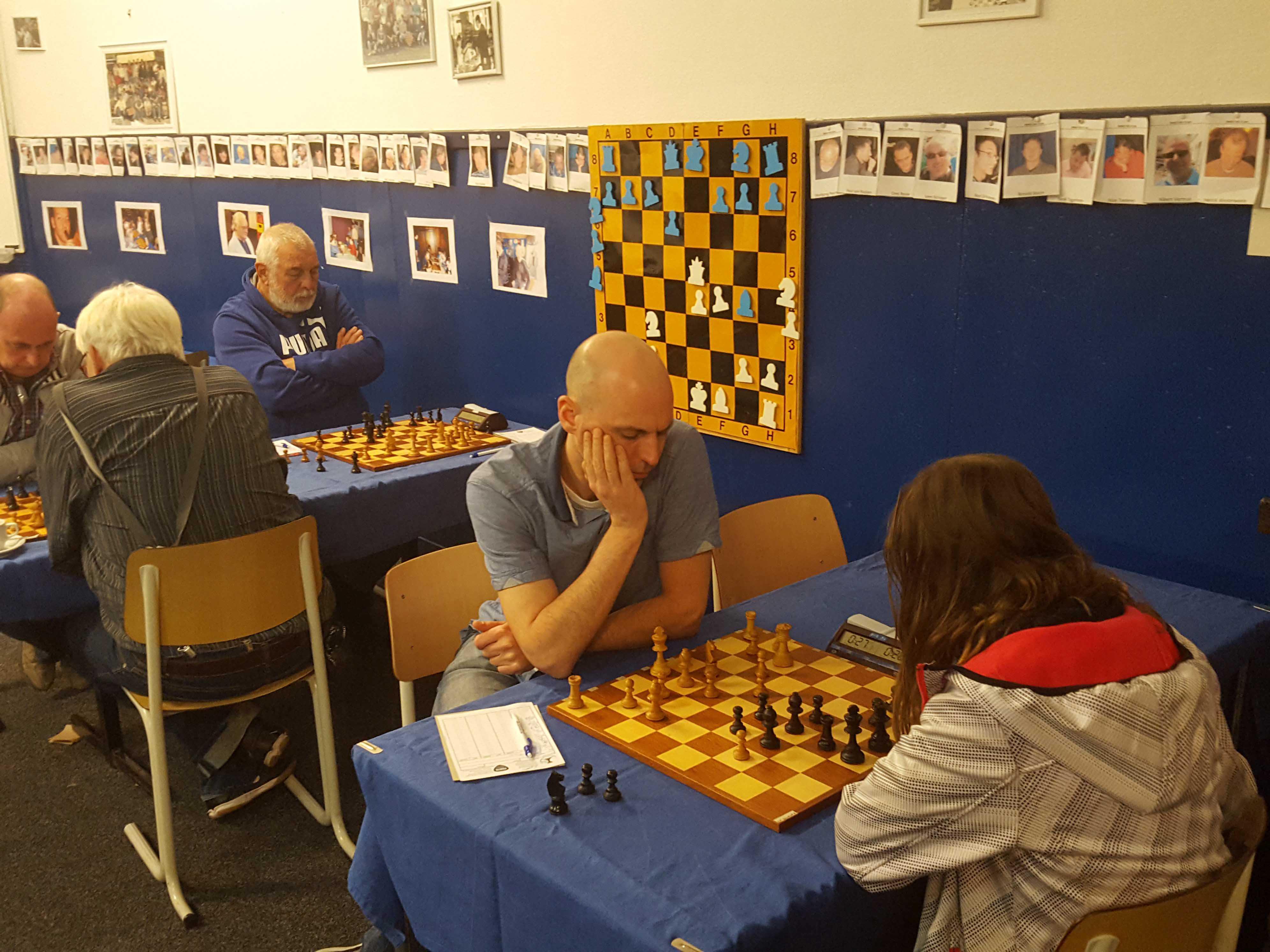 1617 Competitie10 03